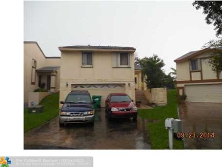 10047 SW 218th St - Photo 1