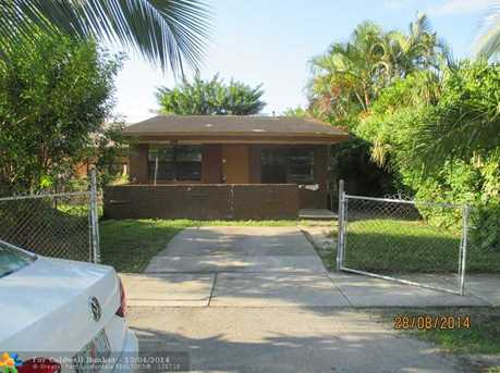 2932 NW 11th Pl - Photo 1