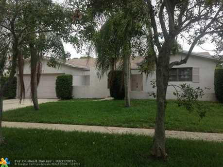 10307 NW 5th St - Photo 1