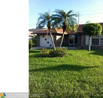 7124 NW 100th Ter - Photo 1