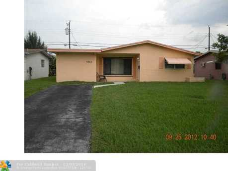 6869 NW 26th St - Photo 1