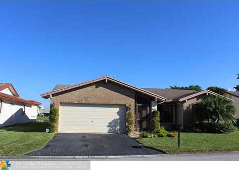 9613 NW 75th Ct - Photo 1