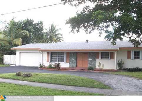 7310 NW 13th Ct - Photo 1