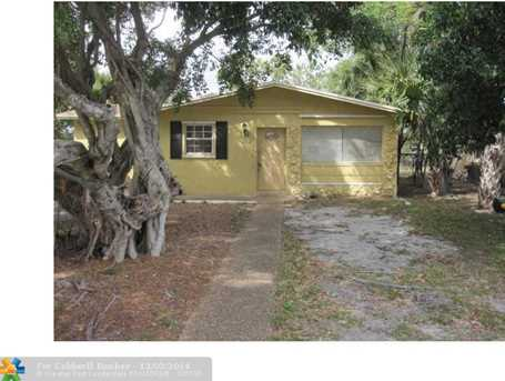 2325 NW 6th Ct - Photo 1