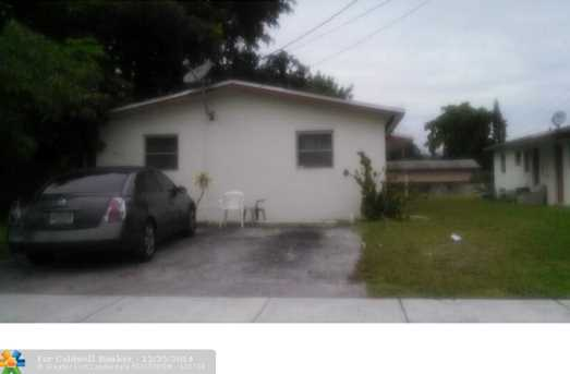 2417 NW 20th St - Photo 1