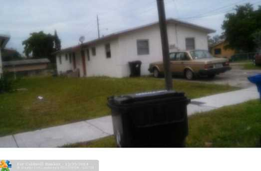 2409 NW 20th St - Photo 1