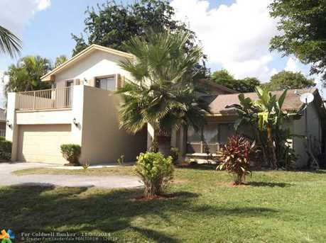 7041 NW 20th Ct - Photo 1