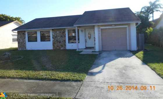 2001 SW 85th Ave - Photo 1