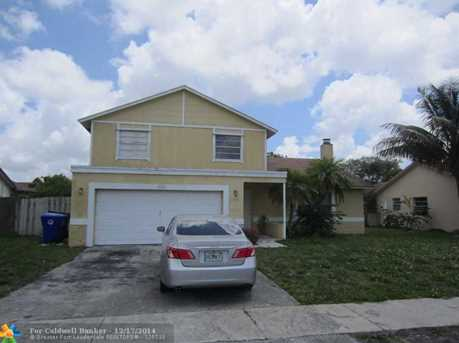 1905 SW 83rd Ave - Photo 1