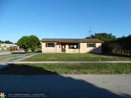 1730 NW 2nd Ter - Photo 1