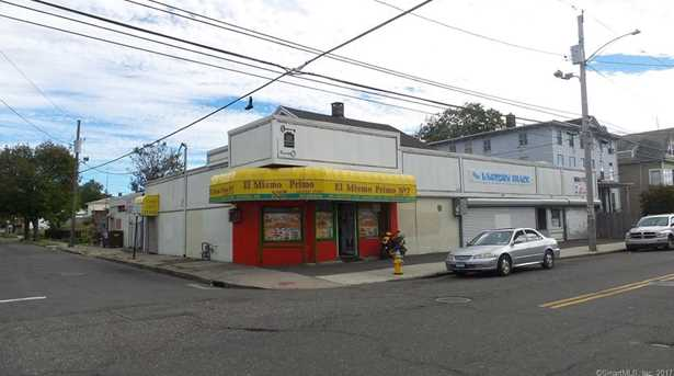 670 Noble Avenue - Photo 3