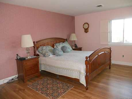 Gillies Ln Norwalk CT MLS Coldwell - Gillies bedroom furniture