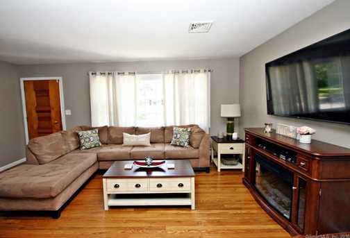 355 Rockland Ave - Photo 3