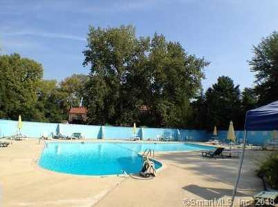 105 Towne House Rd #105 - Photo 7