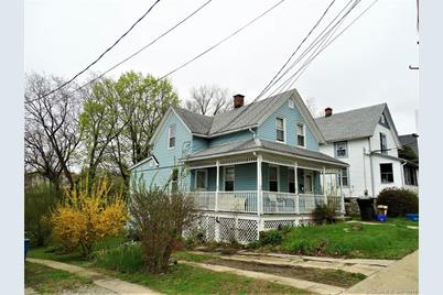 50 Maple Ave New London Ct 06320 Mls 170189070 Coldwell Banker