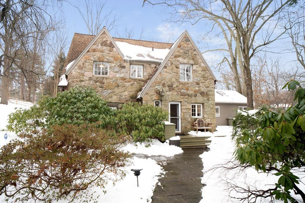 212 New Canaan Ave Norwalk Ct 06850 Mls 170361734 Coldwell Banker