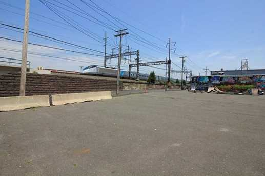 1625 Railroad Avenue - Photo 11