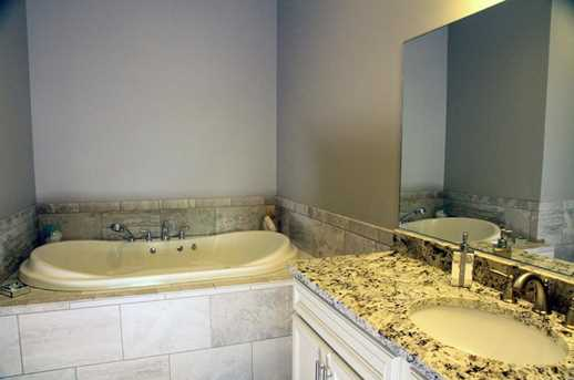 586 West Thames Street #601 - Photo 21