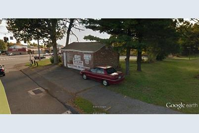 505 Torringford Street West - Photo 1