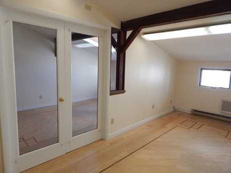 189 Middlesex Avenue - Photo 5
