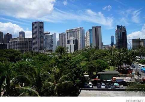 2045 Kalakaua Avenue #402 - Photo 1
