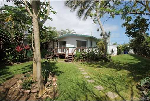 hauula singles Explore an array of hauula, hi vacation rentals, including houses, condos & more bookable online choose from more than 1,000 properties, ideal house rentals for families, groups and couples.