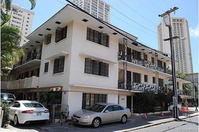 209 Kaiulani Avenue - Photo 1