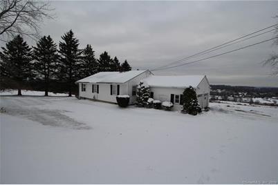 470 Lake Winnemaug Rd Watertown Ct 06795 Mls 170256142 Coldwell Banker