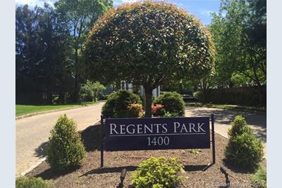 61 Regents Park #61 - Photo 1