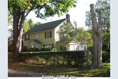 15 Grove Ave Madison Ct 06443 Mls M9113475 Coldwell Banker