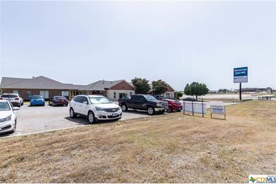 5610 E Central Texas #4 - Photo 1