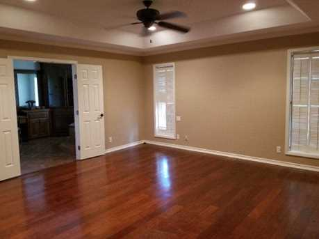308 Woodway Drive - Photo 14