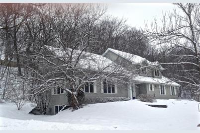 1345 Woodland Drive Sw - Photo 1