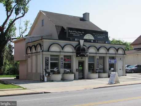 733 Montgomery Ave - Photo 1