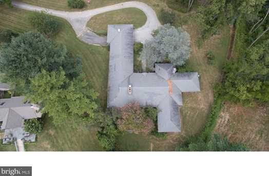 1247 Country Club Rd - Photo 3