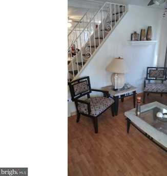 325 Franklin Ave - Photo 3