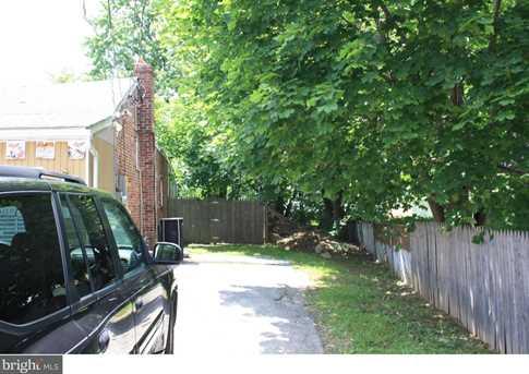 560 Lancaster Avenue - Photo 3