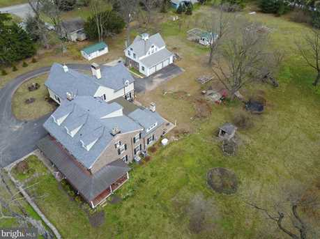 1497 Valley Forge Road - Photo 3