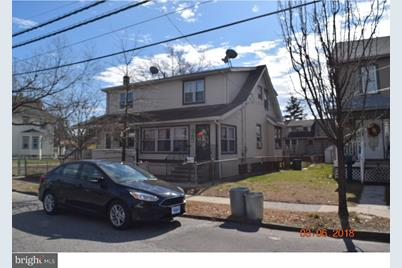 16 E Thompson Avenue - Photo 1