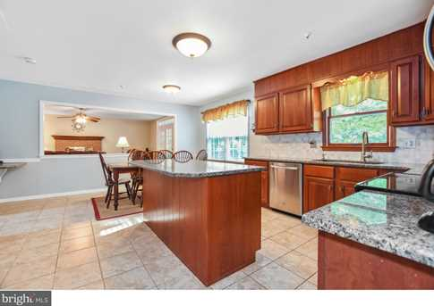 289 Watch Hill Road - Photo 7