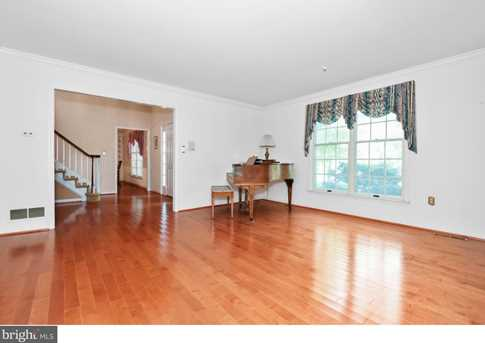 289 Watch Hill Road - Photo 3