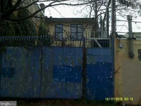 2865 Kensington Avenue - Photo 11