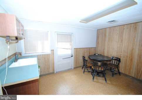 1060 Monmouth Rd - Photo 9