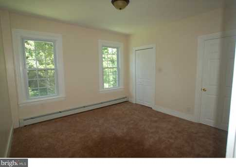 802 Whitaker Avenue - Photo 15