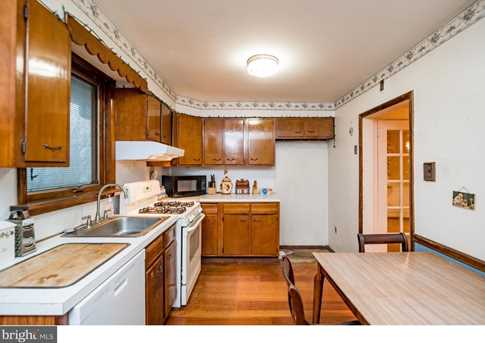 395 Lakeview Avenue - Photo 13