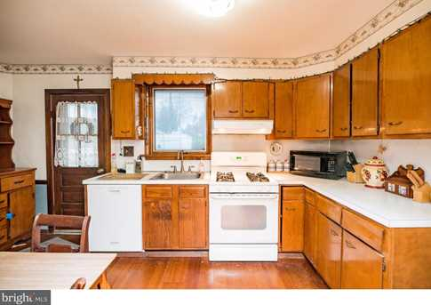 395 Lakeview Avenue - Photo 9