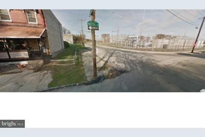 3951 Parrish Street - Photo 1