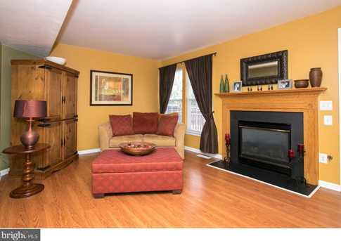 143 Valley Forge Way - Photo 3