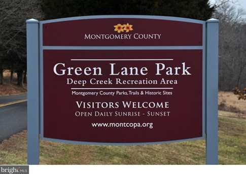 902 Montgomery Ave - Photo 19
