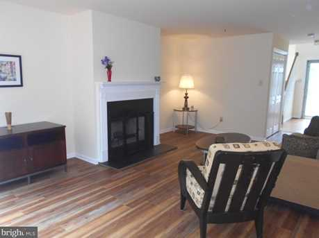 51 Essex Ct - Photo 3